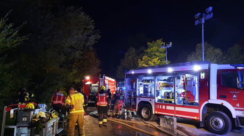 Požar odpadnega materiala na Cesti dveh cesarjev 22.8.2020