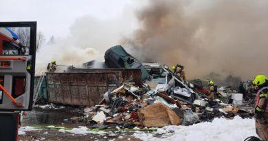 Požar avtoodpada na območju Zalog – Kašelj 21.2.2021